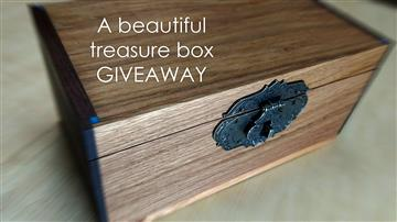 A beautiful treasure box | GIVEAWAY